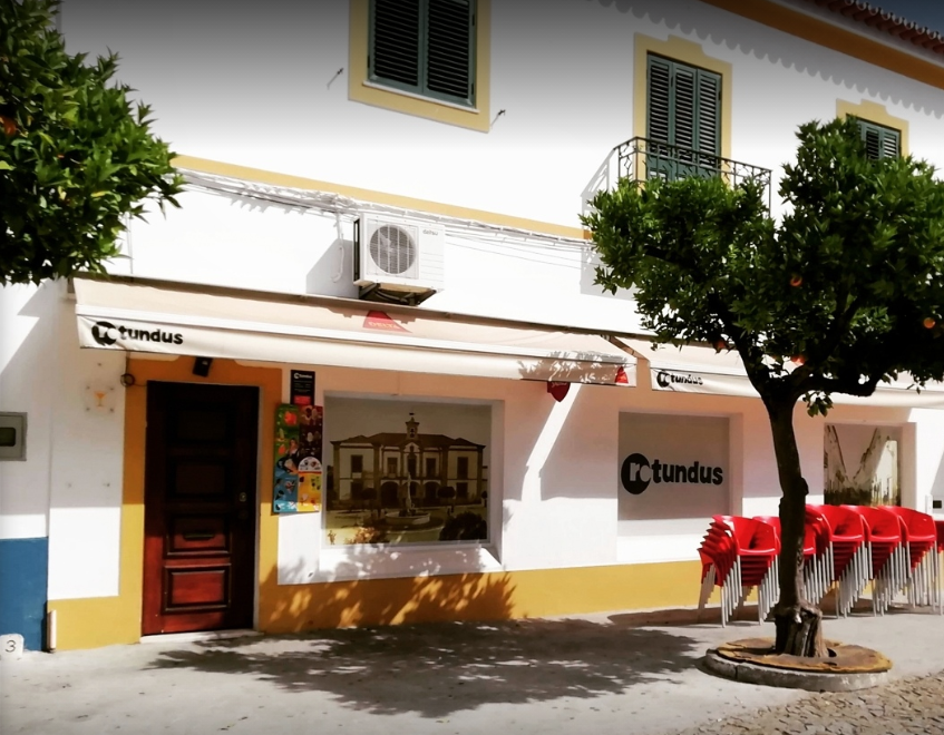 Rotundus Bar